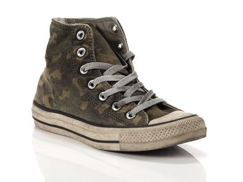 converse canvas ltd