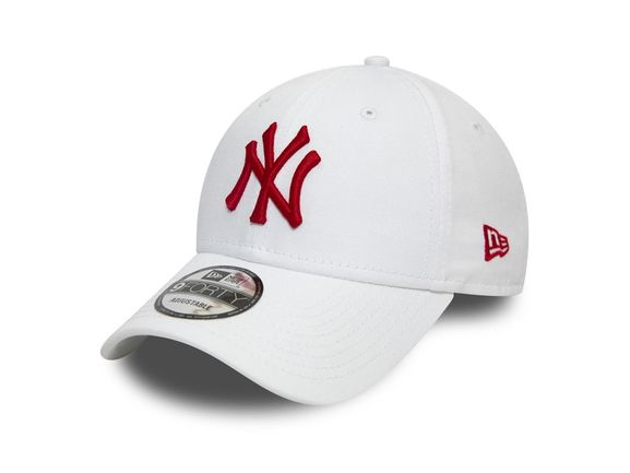 9 Forty League Essential New York Yankees
